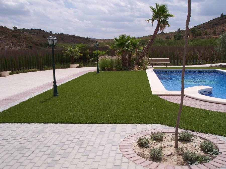 Foto erba sintetica per bordo piscina di m ideas 172095 - Ipoclorito di calcio per piscine ...
