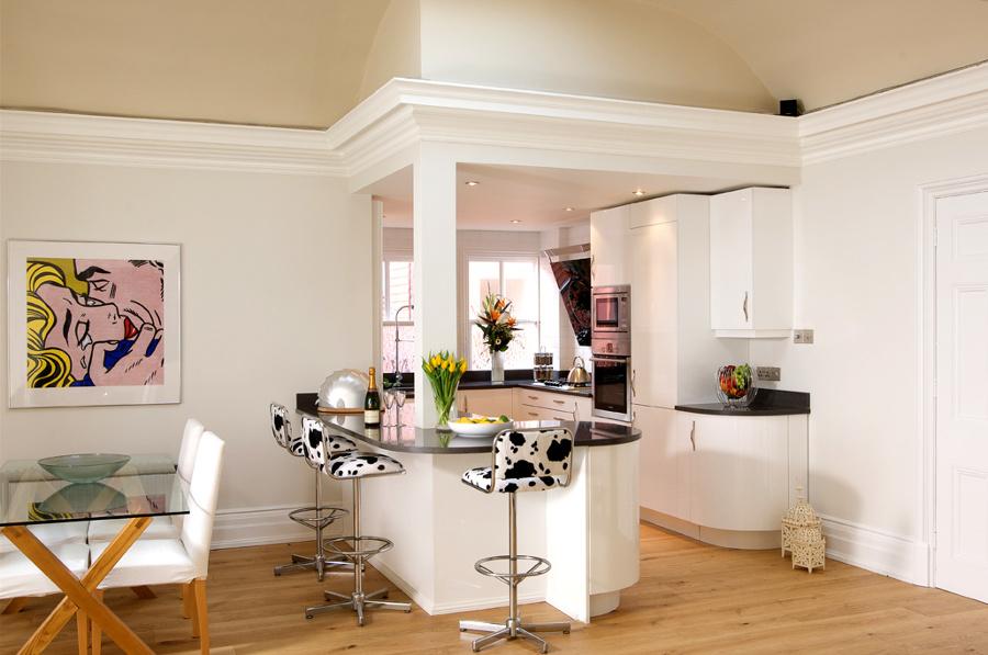 Foto: Esempio Cucina Classica Bianca su Misura di Falegnameria ...
