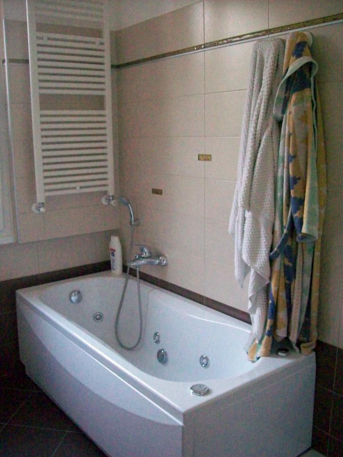 Foto esempio rifacimento bagno di b c service srl 89050 - Rifacimento bagno padova ...