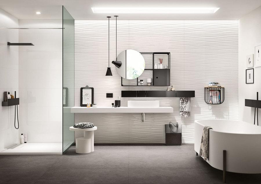 foto: marazzi group spa - essenziale di quaranta ceramiche #361704 ... - Bagni Moderni Stretti E Lunghi