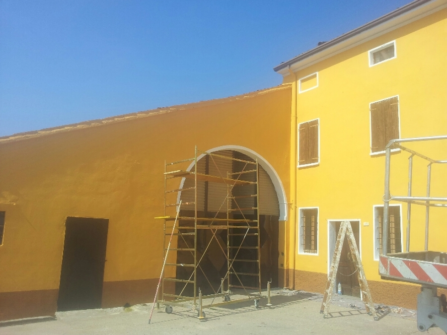 Amazing colore esterno casa giallo foto facciata esterna a - Colori per facciate esterne ...