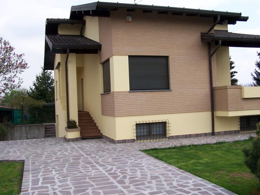 Foto caronno p va facciate esterne de edilcasa for Immagini facciate case