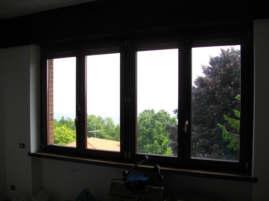 Foto finestra 4 ante pvc pellicolato douglas di la for Finestra 4 ante