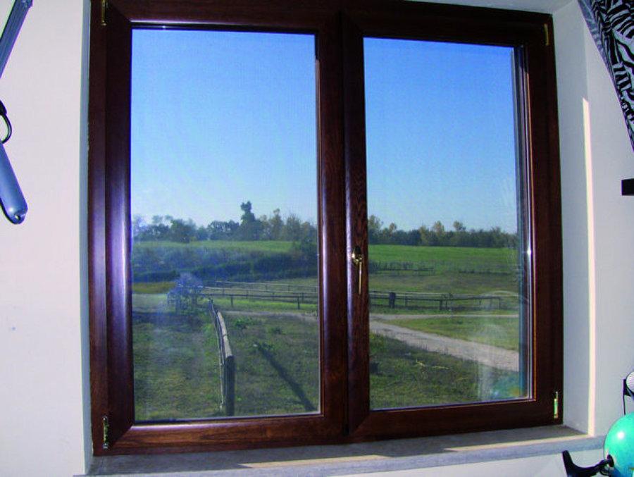 Foto finestra in alluminio legno a taglio termico di - Aeratore termico per finestra ...