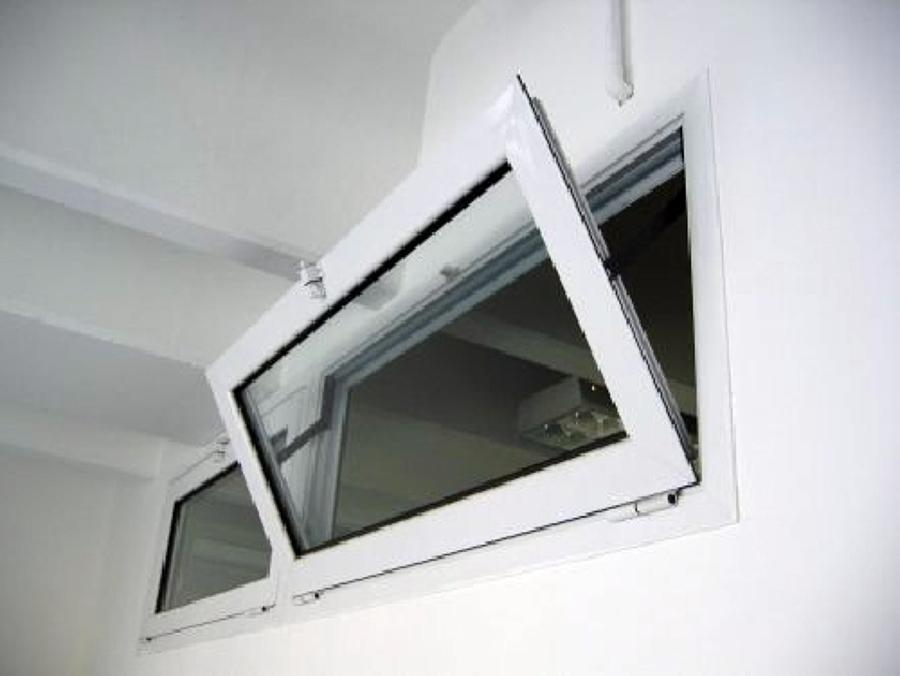 Foto finestre a nastro wasistas di serramenti italpol - Riparazione finestre vasistas ...