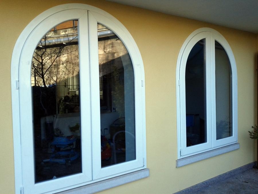 Foto finestre ad 2 ante di allplastik 98970 habitissimo - Finestre apertura esterna ...