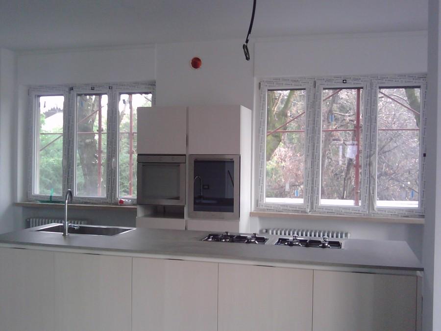 Foto finestre e cucina di consulenze 1266 189325 - Foto di finestre ...