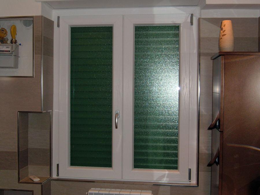 Foto finestre pvc certificate di mondo porte di roberto - Porte e finestre pvc ...