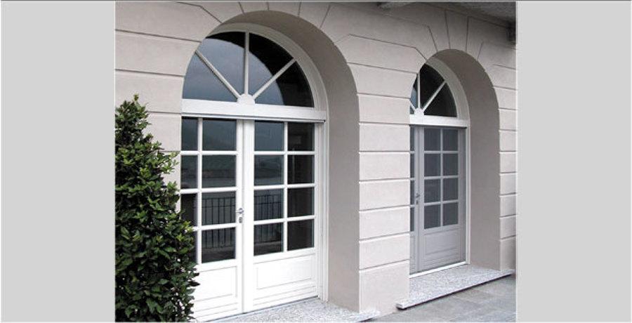 Foto finestre su misura di ogni tipo di italport 49573 for Finestre su misura bricoman