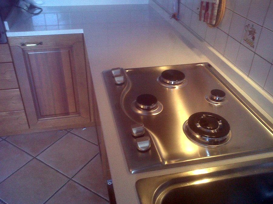 Foto fornitura di piano cucina in quarzo de verona stones - Quarzo piano cucina ...