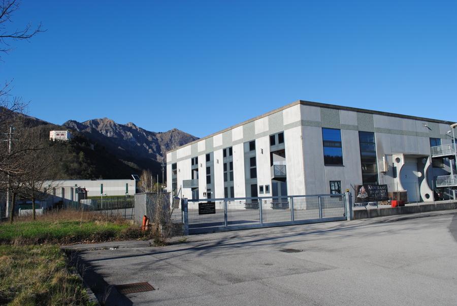 Foto capannone industriale de terna costruzioni srl for Fai il capannone