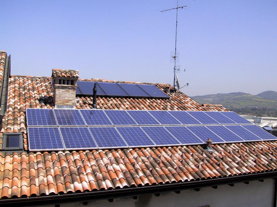 Foto fotovoltaico e solare termico di s p impianti for Immagini pannello solare