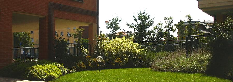 Foto giardini condominiali bellissimi di tratto verde - Giardini bellissimi ...