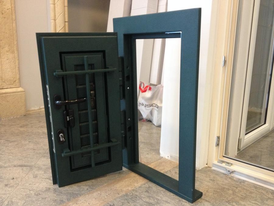 Foto grata combinata ferro di sicurezza alluminio orientabili di infissi ferrara sas 178955 - Cerniere per finestre ...