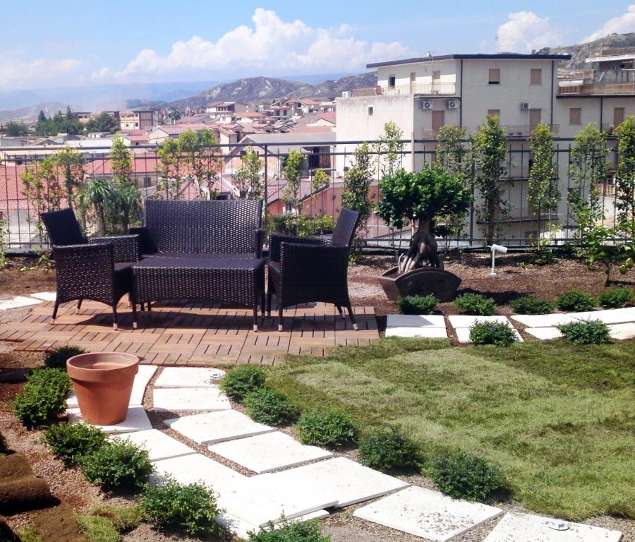 Great finest giardino pensile su terrazzo di un abitazione - Terrazzi e giardini pensili ...
