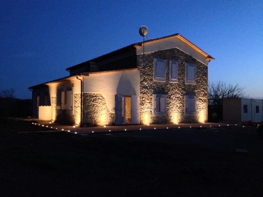 Illuminazione esterna casa di campagna illuminazione esterna casa