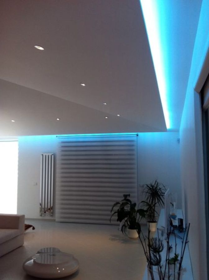 Foto illuminazione generale a led di luceled pro srl for Lampadari a led per interni