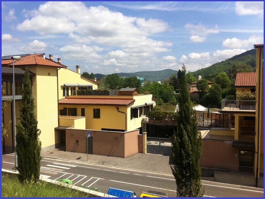 Foto immobiliari pontassieve fi di idea for Idea casa immobiliare sassari