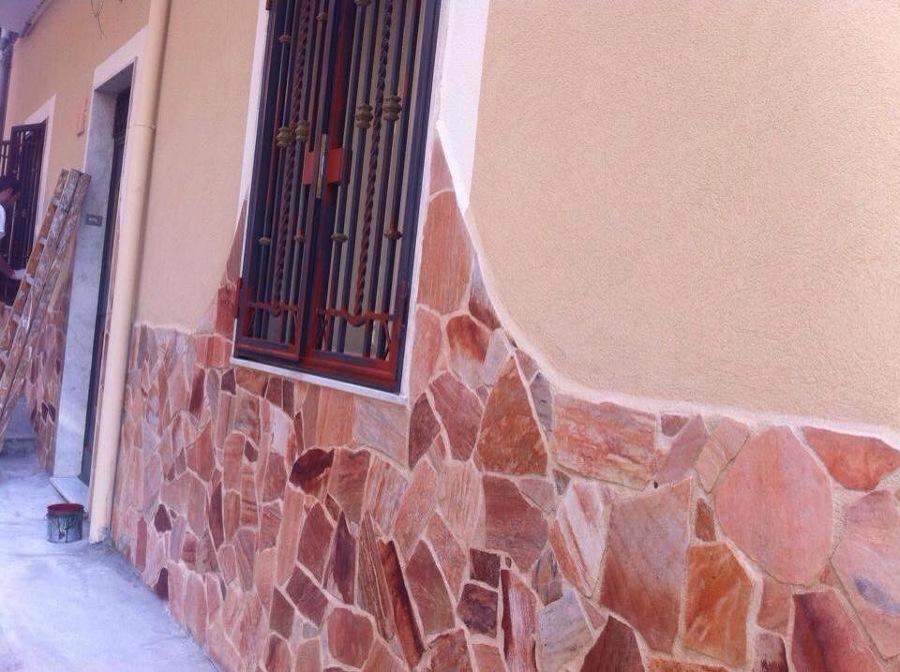 Pietra più facciata con materiale silicato