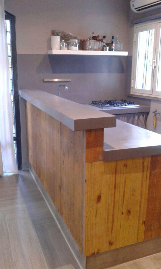 Tavole Da Cucina : Foto banco cucina in resina e tavole da cantiere di