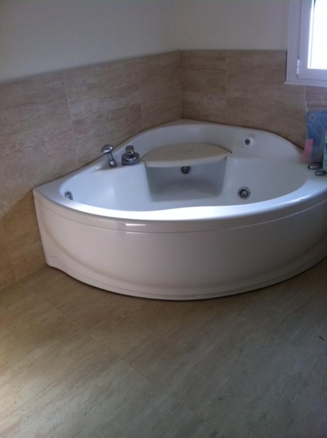 Foto vasca idro di boni ceramiche 395532 habitissimo - Piastrellisti a trieste ...