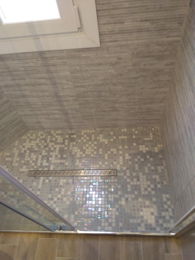 Foto piatto doccia in muratura di mp ristrutturazioni di mondi pjetri 592055 habitissimo - Piatto doccia in muratura ...