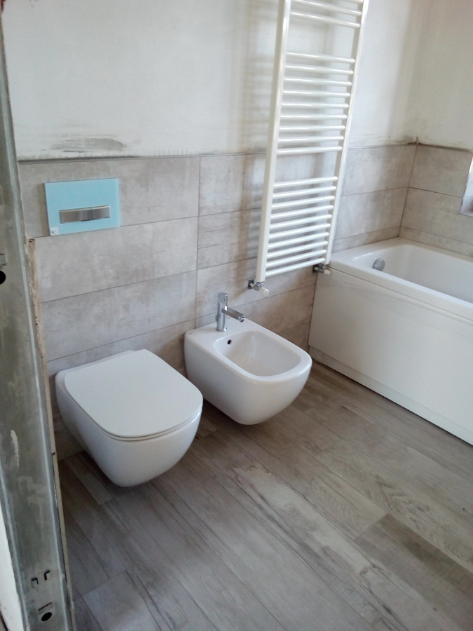 Prezzi Sanitari Sospesi Ideal Standard. Latest Sanitari Set Di Wc ...
