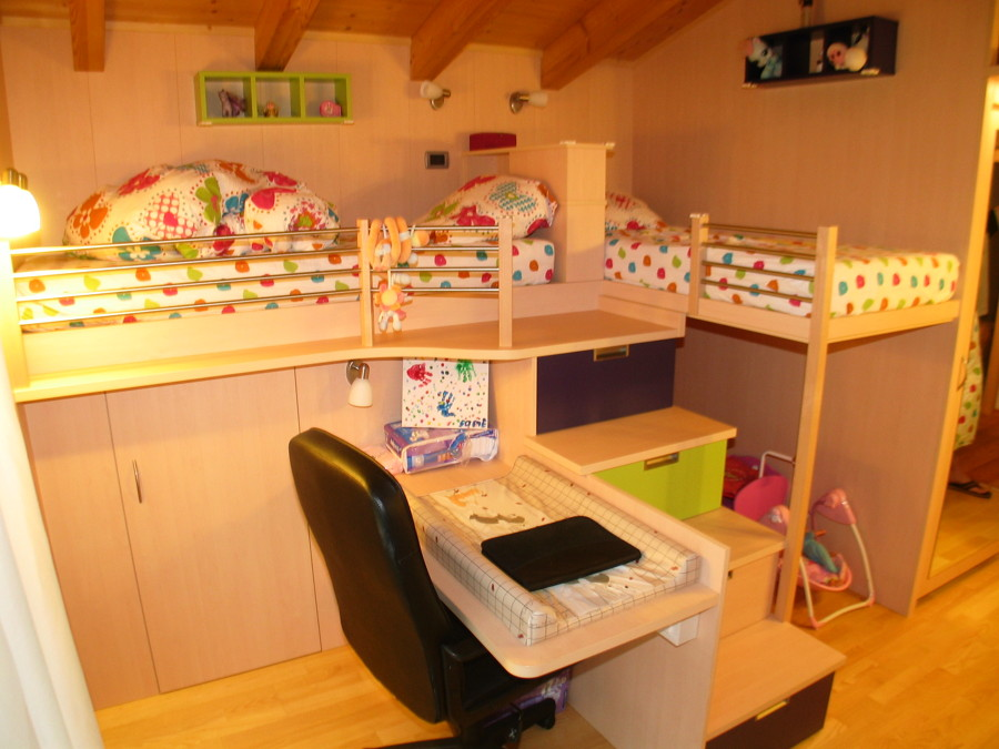 Foto camera da letto per bambini di falegnameria pescoller snc 306996 habitissimo - Camera da letto per bambini ...