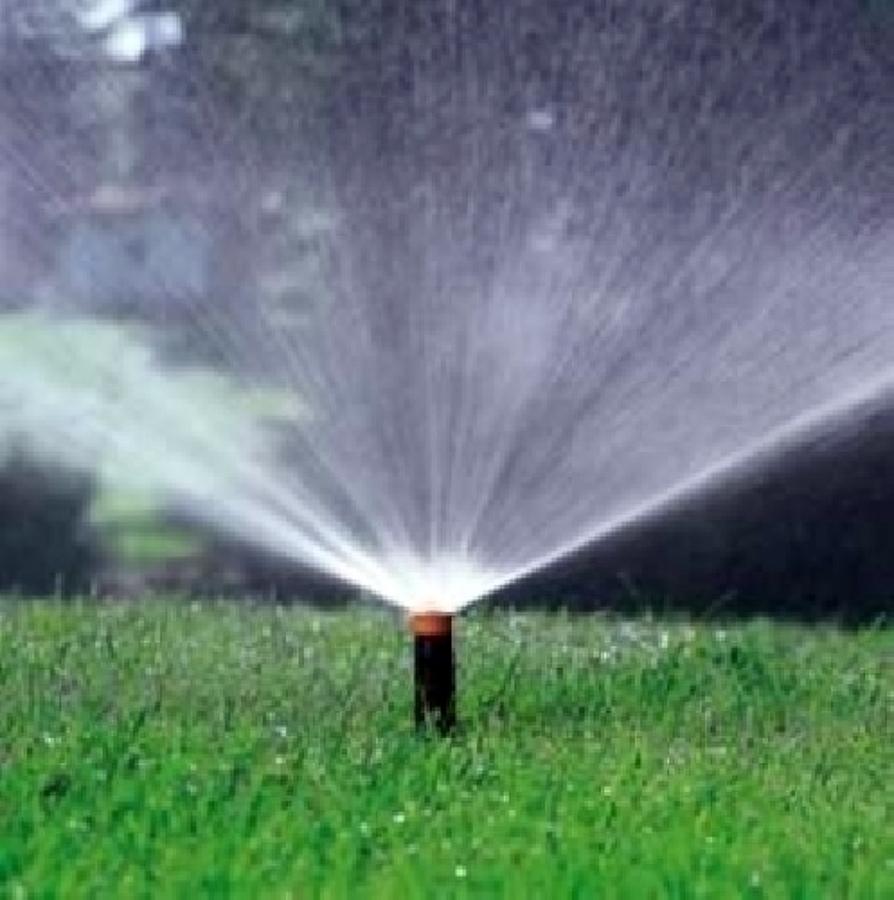 Foto impianti di irrigazione a pioggia de termoidraulica for Irrigatori automatici per giardino