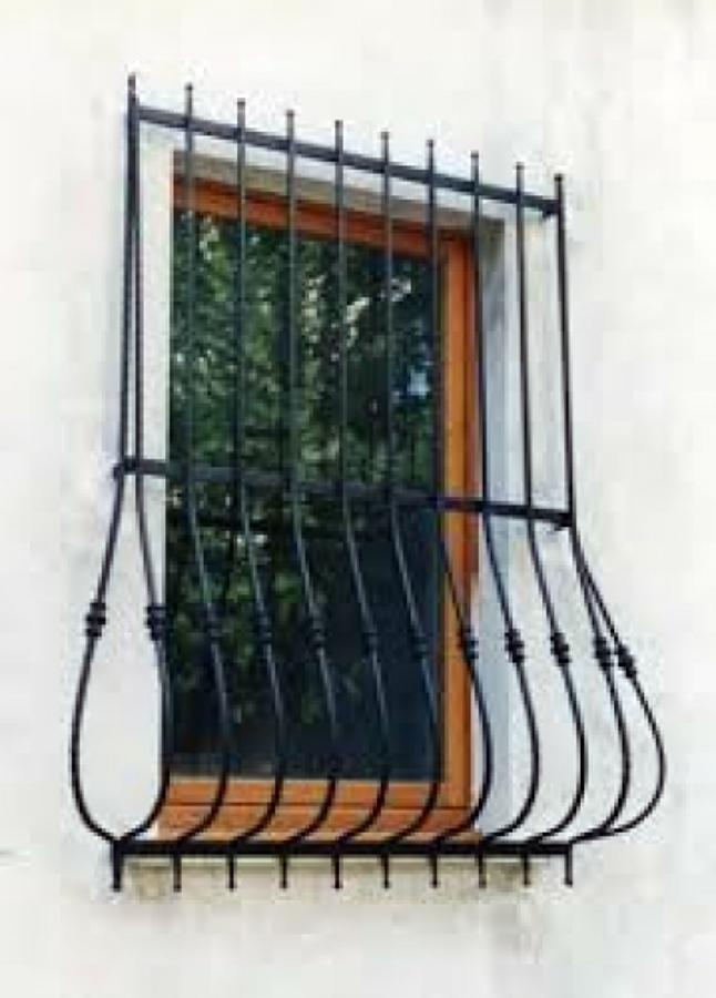 Foto inferriata per finestra di cfm serramenti 134830 - La finestra biz opinioni ...