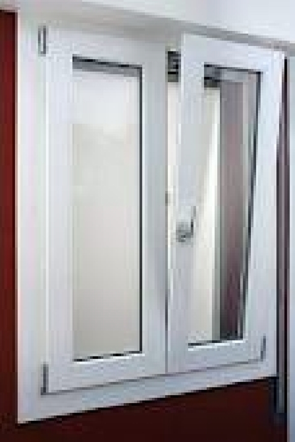Foto infissi veka bianco standart di puntoinfissi for Infissi in legno bianco
