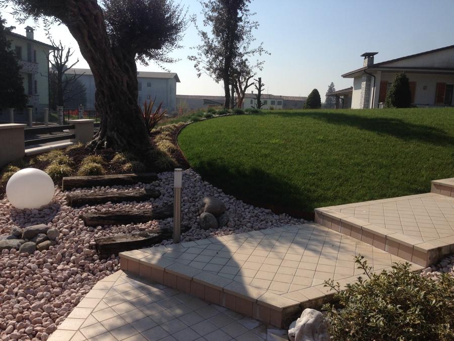 Foto giardino mediterraneo di azienda mor giardini - Giardino mediterraneo ...