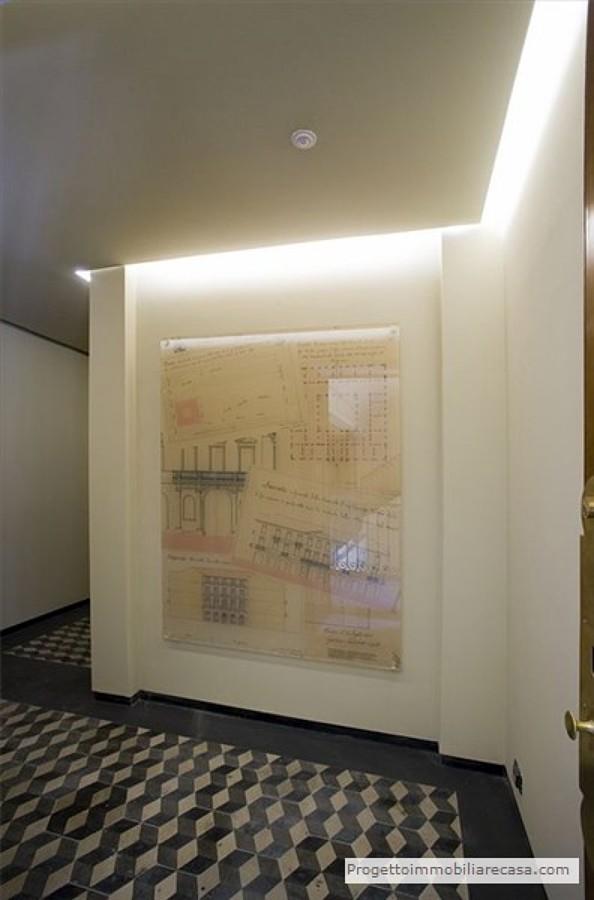 Ingresso palazzo d'epoca centro di Torino