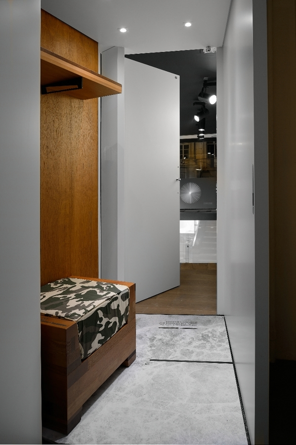 Foto interno camerino negozio di falegnameria tolardo for Loggia arredamenti