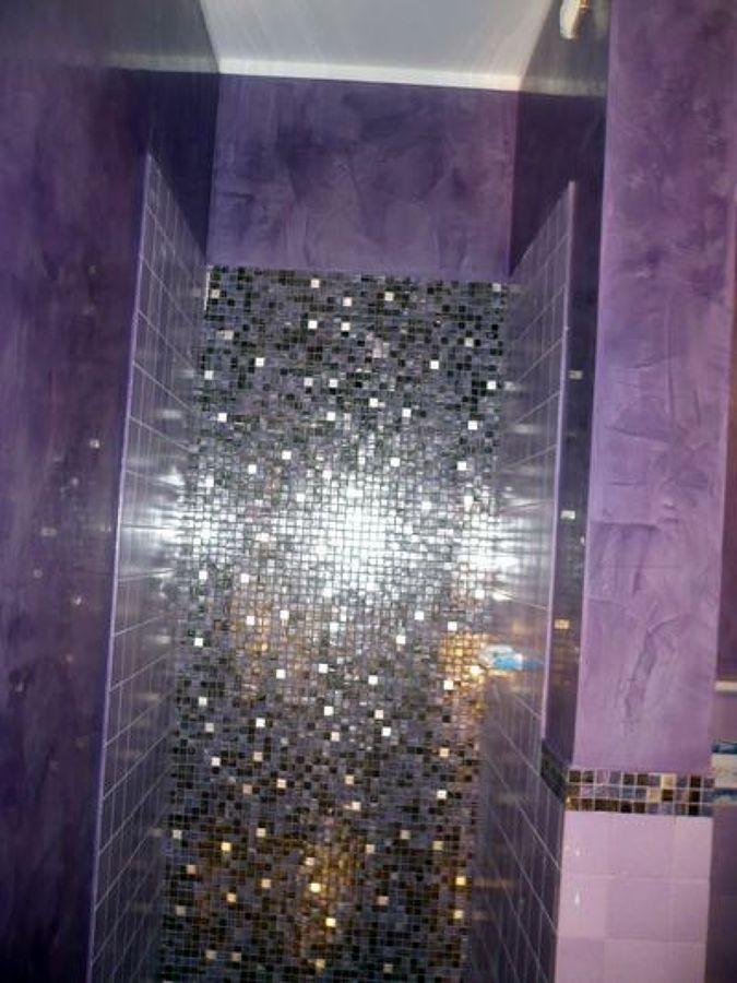 Foto interno doccia in mosaico vetroso e pareti in stucco veneziano di edilsaba 85416 - Stucco veneziano bagno ...