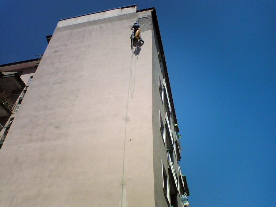 intervento con uomo in corda