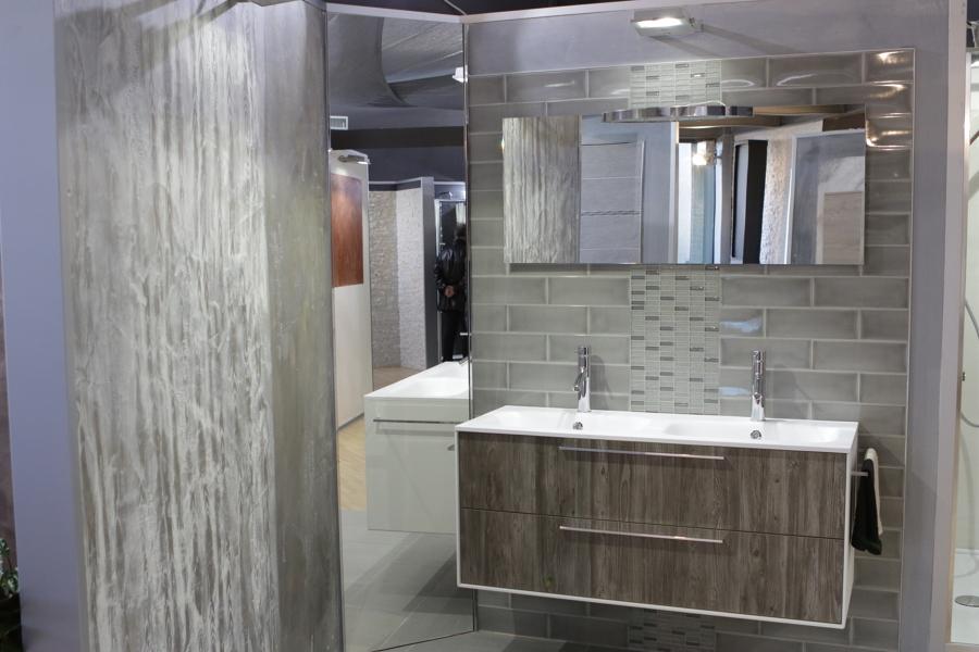 Foto per un bagno sempre in ordine scegli ampi cassetti for Arredo famiglia terni
