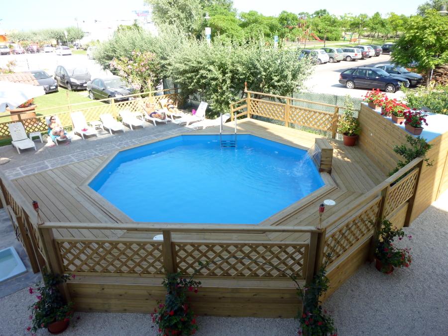 Foto la piscina in legno di ecoteco piscine italia srl for Fuori piani di costruzione