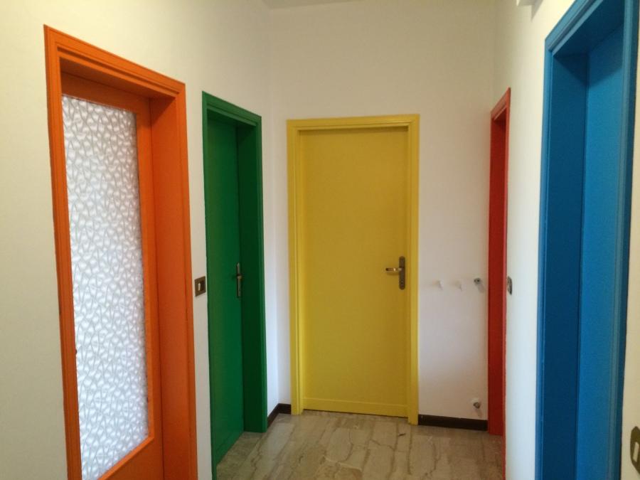 Foto laccature porte interne di gmm dipinture 210427 habitissimo - Porte interne foto ...