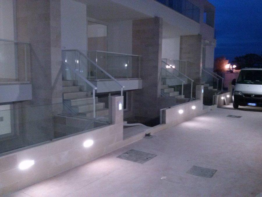 Foto luci da esterno barletta di celeste impianti di for Luci da esterno moderne
