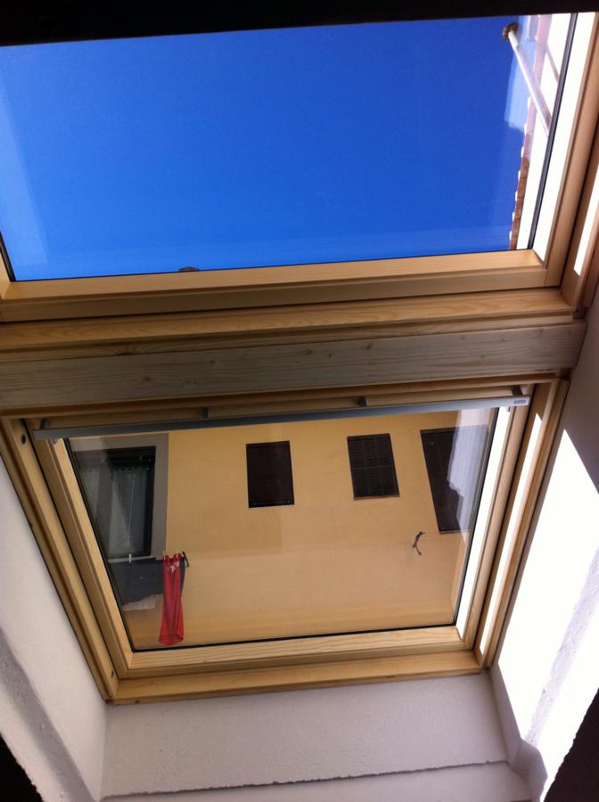Foto montaggio finestre velux sovrapposte de ediltecno for Offerte finestre velux