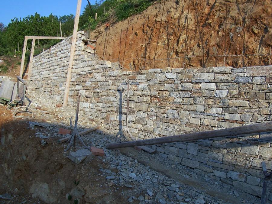 muri di sostegno giardino suggerimenti : Foto Muro Di Sostegno In Pietra Di Luserna De Alasia Valter 148487 ...