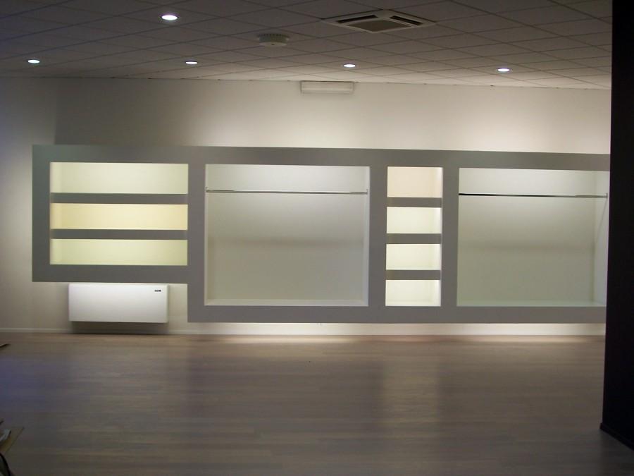 foto: negozio abbigliamento di idea arredo s.r.l. #66548 - habitissimo - Arredamento Negozio Abbigliamento Moderno