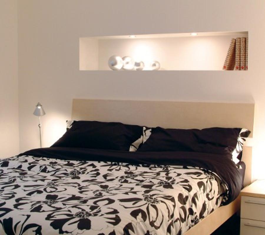 Foto nicchia con illuminazione di pronto rapido casa - Testata letto cartongesso ...