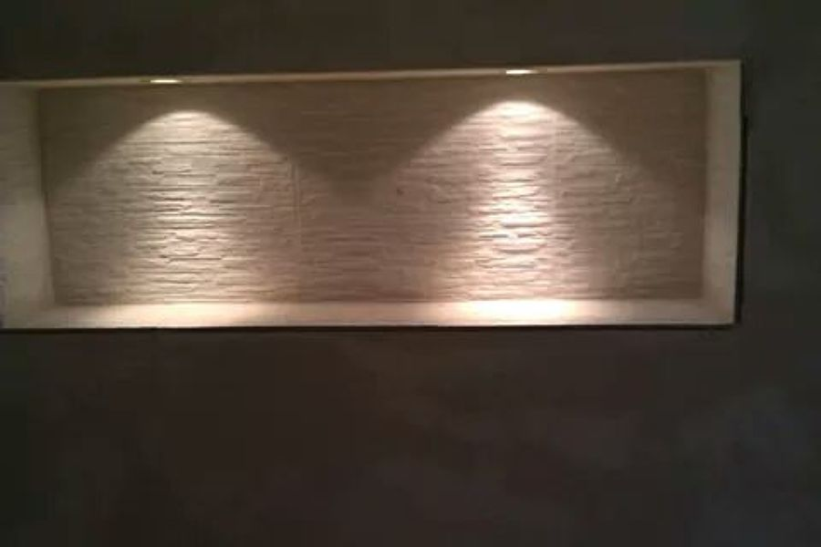 Foto: Nicchie In Cartongesso con Inserimento di Faretti Led e Pietre ...