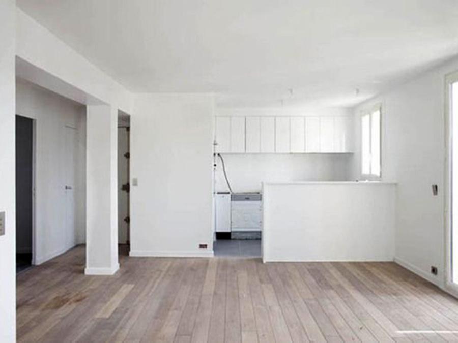 Foto salone con angolo cottura di az restauri edili di - Ristrutturare casa idee ...
