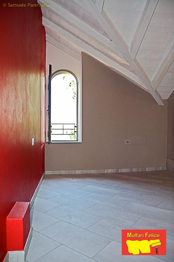 Foto: Nuovo Appartamento Tinteggiato con Velatura Rosso e Verde a Monza. Soffitti In Legno ...