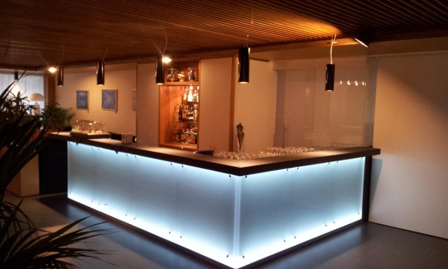 Banconi bar moderni for Bancone bar prezzi