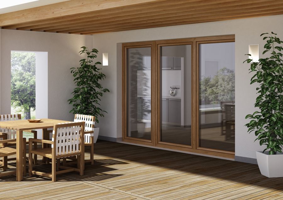 Porta finestra a tre ante battenti con ribalta e microventilazione