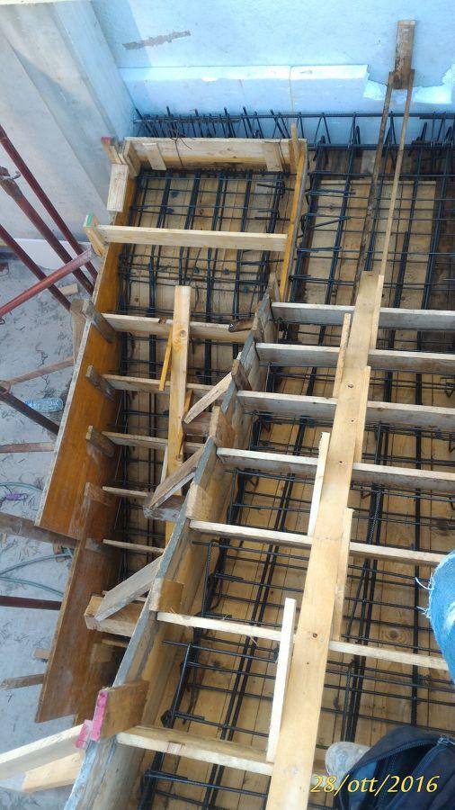 Foto capaci anche di fare scale in cemento armato di - Scale in cemento armato ...